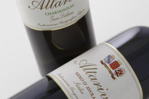 coppia di bottiglie vino